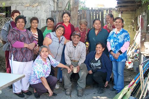 Voluntarias 'Lo Hare Por Ti' en brigada limpieza